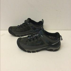 Keen men's sneakers